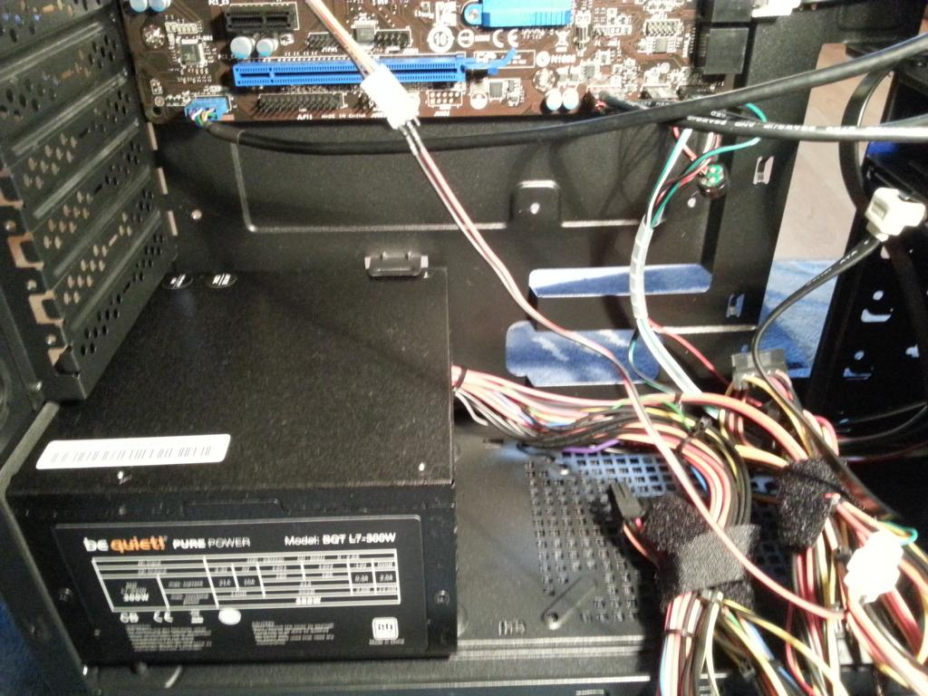 Haswell PC selber bauen   Netzteil einbauen