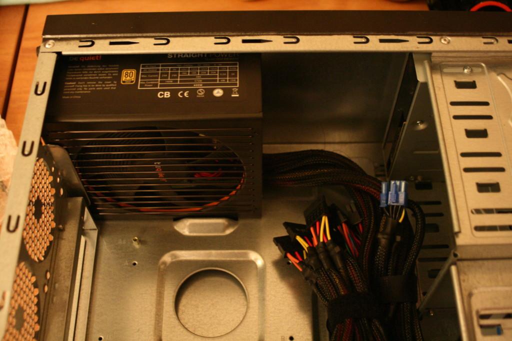 PC richtig aufrüsten | Netzteil eingebaut