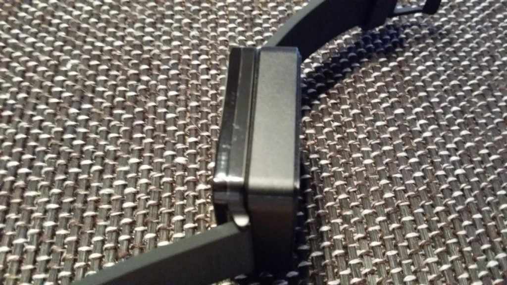 LG G Watch ausgepackt   Smartwatch mit Ladeschale
