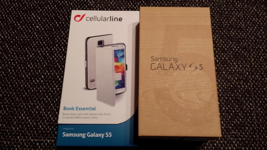 Samsung Galaxy S5 mit Schutzhülle von Cellular Line
