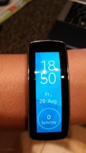 Samsung Gear Fit   Display und Schrittzähler