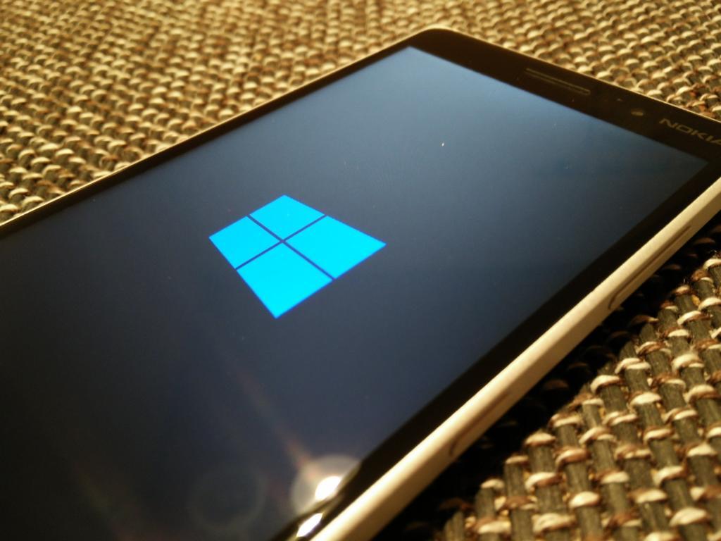 Nokia Lumia 830 | Windows Phone 8.1