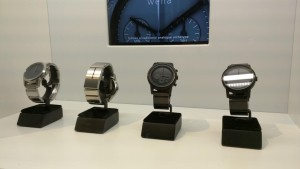 Sony Wena Wrist | zwei Modelle in zwei Farben
